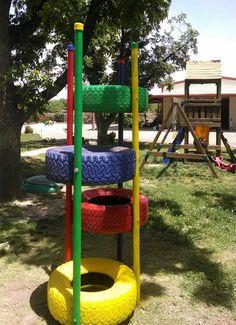 Gioco da giardino per bambini con pneumatici riciclati