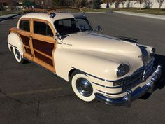 1947 Chrysler Town and Country Coupe Woody