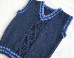 Hand gebreide peuter vest. Gemaakt van zacht en licht gewicht mix van wol-acryl garen. Dit vest zou een grote voor de gelaagdheid in de winter of iets meer dan een T-shirt op zomeravonden. Hand gebreide aran tank. Zacht, warm, zeer comfortabel voor de baby en functioneel gebruik in. Uw vest is op bestelling gemaakt. Een e-mail zal worden verzonden na ontvangst van uw bestelling bevestigen van uw vereisten. Ik zal beginnen met het breien van uw kledingstuk binnen 48 uur na ontvangst van uw…
