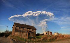 O vulcão que voltou a atividade rende imagens com muitas cores e texturas