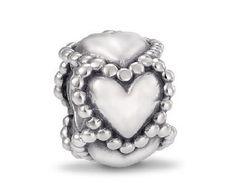 Pandora zilveren Hartjes-bedel 790448, zilveren bedel met hartjes rondom. https://www.timefortrends.nl/sieraden/pandora.html