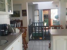 Listing number: P24-103967921, Image number: 9, Open plan Kitchen/Diningroom