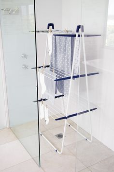 Model Howards Storage World Bamboo Shower Caddy