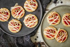 Get ready for Halloween with dairy-free chocolate chip cookies complete with a spooky twist! Halloween Pizza, Dairy Free, Gluten Free, Pizza Ingredients, Chocolate Chip Cookies, Halloween Chocolate, Cooking Recipes, Tasty, Baking