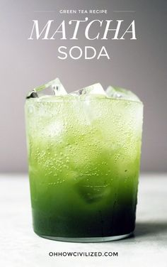 A refreshing matcha soda for all green tea lovers. Fizzy water meets matcha syrup to create this bubbly tea drink. Cocktails, Cocktail Drinks, Alcoholic Drinks, Beverages, Green Tea Cocktail, Green Tea Drinks, Drinks Alcohol, Kombucha, Yummy Drinks