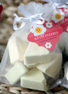 Homemade Bath Fizzies . I love they they use witch hazel instead of water as a binder...and the squirt bottle???... brilliant!!!