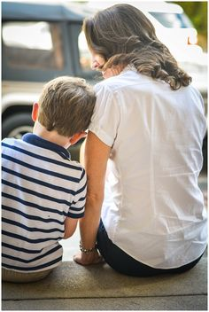 © Allison Shumate Photography   lifestyle, toddler, mom and son, The Fan, park, Richmond