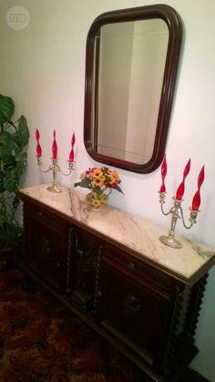 . Se vende mueble barroco tallado con espejo, medidas: 130cm (ancho)x 32cm…