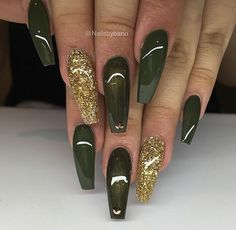 If your boyfriend or husband is a soldier, or if you really like army green, these are the perfect attempts to use army green nail designs in another modern style. If you also like army green nail designs, look at today's post, we have collected som Glam Nails, Dope Nails, Beauty Nails, Green Nail Designs, Cute Acrylic Nail Designs, Fall Acrylic Nails, Glitter Nail Art, Autumn Nails, Gold Glitter