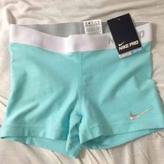 Tiffany blue and white nike pro shorts, perfect for a fitness bikini photo shoot Nike Outfits, Cheer Outfits, Sport Outfits, Casual Outfits, Nike Free Shoes, Nike Shoes Outlet, Running Shoes Nike, Running Shorts, Nike Shorts