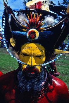 Huli tribe Papua new Guinea. All rights reserved by Eric Lafforgue.