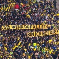 """Torcida do Borussia Dortmund novamente com a faixa: """"Mesmo que você caia estaremos com você"""""""