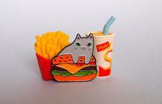 Hamburger kat glazuur revers speld  kat pin  pin door ilikeCATSshop