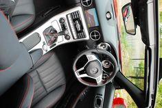 Mercedes-Benz SLK Mercedes Benz Interior, Mercedes Benz Slk, Luxury Lifestyle, Funny Photos, Passion, Car, Animals, Fanny Pics, Automobile