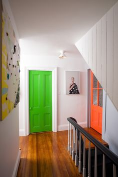 How to paint an interior door - practical tips and over 100 inspiring ideas The big trends in interior design have already been unveiled. On the program: the colorful entrance doors that are true decorative elements. Home Decor Painted Interior Doors, Painted Doors, Boy Room Paint, Yellow Doors, Bohemian House, Decorating With Pictures, Minimalist Decor, Living Room Modern, Beautiful Bedrooms