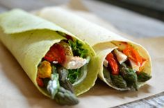 Chicken and Asparagus Wraps with Dill Cream Cheese using Toufayan tortillas are healthy, seasonal and a great lunch to make ahead. These can be made gluten free too. Italian Chicken Recipes, Chicken Drumstick Recipes, Low Carb Chicken Recipes, Healthy Recipes, Thm Recipes, Healthy Foods, Healthy Life, Recipies, Chicken Wraps