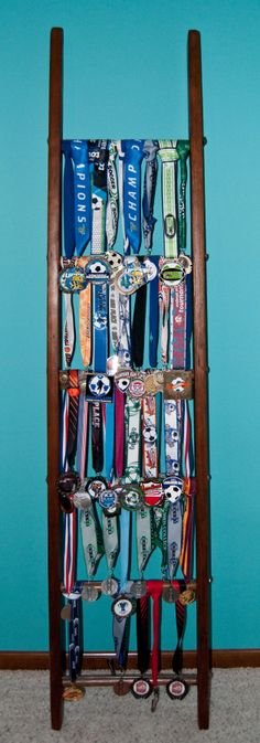Use an antique farm ladder to display your kid's soccer tournament medals. Football Medals, Sports Medals, Trophy Display, Award Display, Hanging Medals, Medal Displays, Display Medals, Ribbon Holders, Soccer Tournament