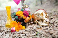 Una elegante decoración para una fiesta Día de los Muertos / An elegant Día de los Muertos party decoration