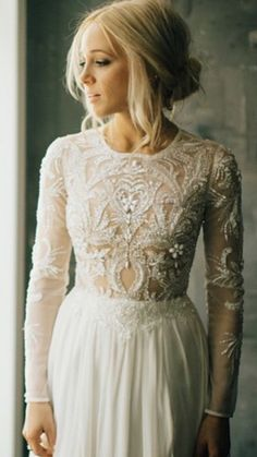 I want my wedding gown to look like this. I want my wedding gown to look like this. Bohemian Bride, Bohemian Wedding Dresses, Bohemian Hair, Bohemian Style, Dresses For Winter Wedding, Wedding Outfits, Wedding Shoes, Mod Wedding, Wedding Bells