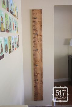 DIY for wood growth chart and ruler. way cute by 517 creations: Ruler Growth Chart: Pottery Barn Knock Off Pottery Barn Kids, Pottery Barn Inspired, Do It Yourself Furniture, Do It Yourself Home, Knock Off Decor, Wooden Ruler, Growth Chart Ruler, Growth Charts, Height Chart
