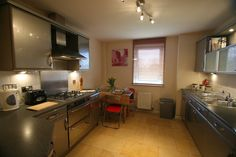 Everything you need from an holiday home Edinburgh's city centre.http://www.selfcateringedinburgh.eu/_Properties/Scotland/Edinburgh/EH6/Pilrig_Heights/No.6/Apartment_14/