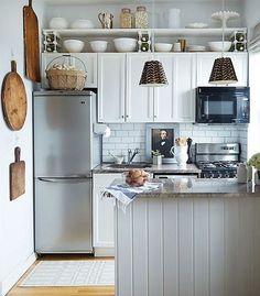 куда поставить холодильник на маленькой кухне 3.jpg