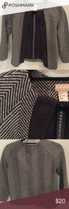 3/4 sleeve blazer Cute blazer, striped / chevron gray and black pattern with alternating dark gray / black front wide trim. Worn to work several times but no real signs of wear, definitely holds up well. H&M Jackets & Coats Blazers