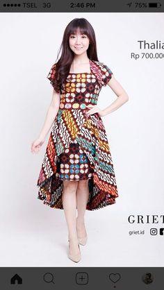 New Dress Brokat Pendek Modern Ideas Dresses For Teens, Trendy Dresses, Casual Dresses, Fashion Dresses, Model Dress Batik, Batik Dress, Vintage Dress Patterns, Vintage Dresses, Batik Kebaya
