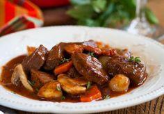 Mijoté de boeuf aux légumes Weight Watchers, un délicieux plat complet et parfaitement équilibré, facile à faire pour un déjeuner léger.