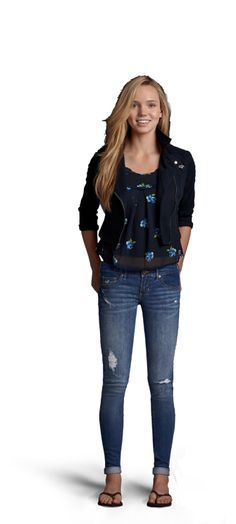 WEAR A FITTED V-NECK TANK WITH A PAIR OF DESTROYED SUPER SKINNY JEANS THEN LAYER ON A SHEER FLORAL TOP. GRAB SOME FLIP FLOPS AND TOP OFF YOUR LOOK WITH A CLASSIC MOTO STYLE JACKET. ROLL THE CUFFS ON YOUR JEANS FOR PREPPY ATTITUDE.