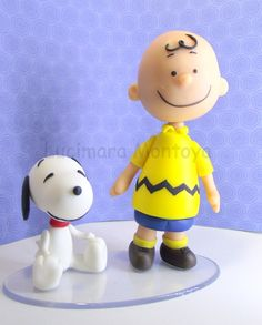 Snoopy e Charlie Bronwn Bolo Snoopy, Snoopy Cake, Snoopy Party, Polymer Clay Disney, Polymer Clay Cake, Clay Projects, Clay Crafts, Cheshire Cat Alice In Wonderland, Lucy Van Pelt