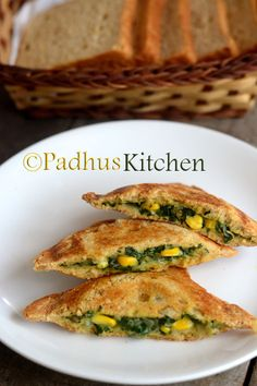 These cheesy spinach corn sandwiches are very delicious and easy to make. You can have these for breakfast or even as an evening snack. Sandwich Maker Recipes, Corn Sandwich, Grilled Sandwich, Brown Bread Sandwich Recipes, Toast Sandwich, Veggie Recipes, Indian Food Recipes, Vegetarian Recipes, Snack Recipes