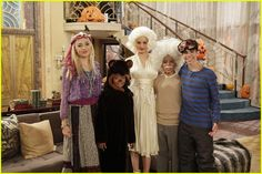 : Photo The cast of Jessie shows off this year's costumes in this brand new still from tonight's all-new episode. Cast Of Jessie, Jessie Tv Show, Disney Time, Old Disney, Cameron Boyce, Jessie Halloween, Victor Boyce, Karan Brar, Marilyn Monroe