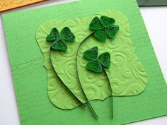 Quilling by Anca Milchis: Every spring with it`s clovers Diy Quilling Crafts, Quilling Designs, Wire Crafts, Quilling Ideas, St Patrick's Day Crafts, Crafts To Make, Fun Crafts, Flower Cards, Paper Flowers
