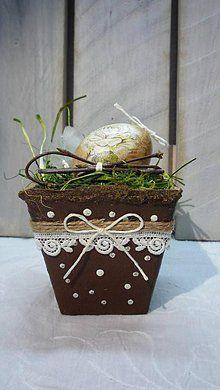 Dekorácie - Kraslica vo vintage črepníčku IV. - 6364296_
