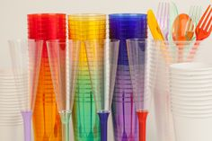 Vasos, copas, cubiertos tazas..... para completar la decoración de la mesa