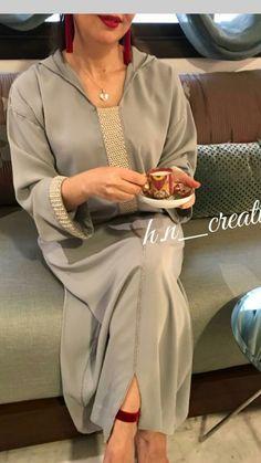 jeleba Moroccan Caftan, Moroccan Style, Abaya Fashion, Fashion Outfits, Womens Fashion, Arabic Dress, Fashion Couple, Western Dresses, Scarf Styles