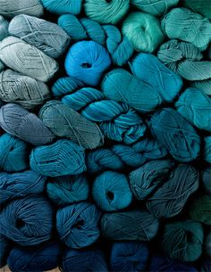 + | Diving into a deep blue green sea of yarn ...