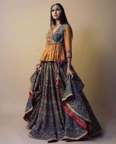 Tap into your ethnic roots adorning this stellar handcrafted lehenga by Samant Chauhan at the the next wedding soiree. We ship worldwide! Choli Blouse Design, Choli Designs, Lehenga Designs, Saree Blouse Designs, Garba Dress, Navratri Dress, Lehnga Dress, Chaniya Choli For Navratri, Wedding Chaniya Choli