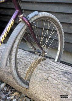Парковка для велосипедов на даче - идея, 3 фото. Разделы: Для дачи, Своими руками