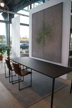 Tisch u Stühle Dinning Table Small, Dining Table Design, Dining Room Table, Modern Home Interior Design, Dream Home Design, Modern Kitchen Design, House Design, Apartment Renovation, Coffe Table