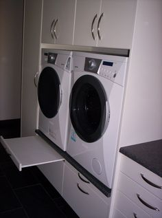 þvottahúsinnréttingar - Google leit Washing Machine, Laundry, New Homes, Home Appliances, Google, House, Ideas, Quartos, Full Bath