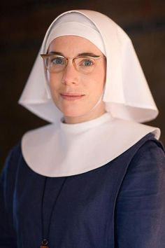 Sister bernadette in Call the Midwife - LOVE Love LOVE her glasses!