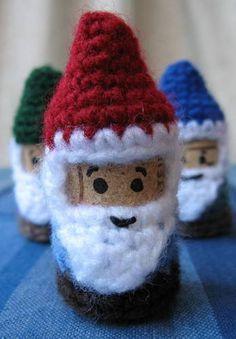How Bazaar! Corks 'n' Crochet - CROCHET - free pattern, santa ornaments?