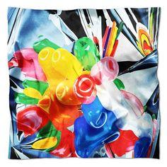 """Foulard en soie """"Tulips"""" de Jeff Koons // Jeff Koons' """"Tulips"""" silk scarf on Artaban.com"""