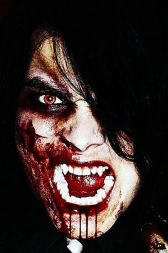 Vampire Gerard way  MCR<<<he is still cute