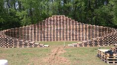 #Festival, #Garden, #RecyclingWoodPallets, #Stage, #Wall You can even build a Pallet Stage, such as this one at Back to the Woods! Our Pallet Stage: 34 floors 486 pallets only for the main wall + 60 for the DJ Stage + extra pallets for barrier 5m