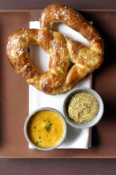 beer cheese and soft pretzels...I think I might die and off to heaven I go!