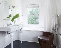 White Walls in the Bathroom Budget Bathroom, Bathroom Interior, Bathroom Ideas, Modern Bathroom, Master Bathroom, Bathroom Mirrors, Bathroom Bench, White Bathrooms, Master Baths