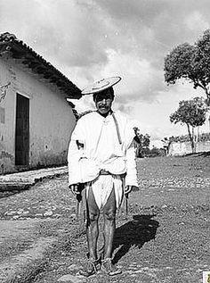1887: porfirio díaz prohibió el uso del calzón blanco o calzón de manta  fuente: http://mexiconuevaera.com/opinion/2015/02/25/1887-porfirio-diaz-prohibio-el-uso-del-calzon-de-manta